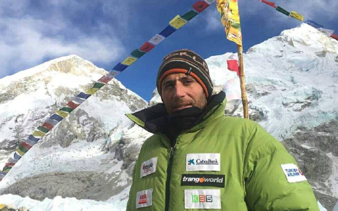 Alex Txikon regresa del Everest con ganas de volver a intentarlo el invierno que viene con todo lo aprendido