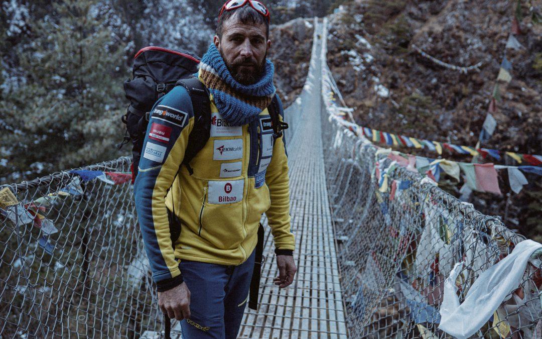 Alex Txikon y su equipo alcanzan el campo 2 en el Everest, a 6.457m de altitud